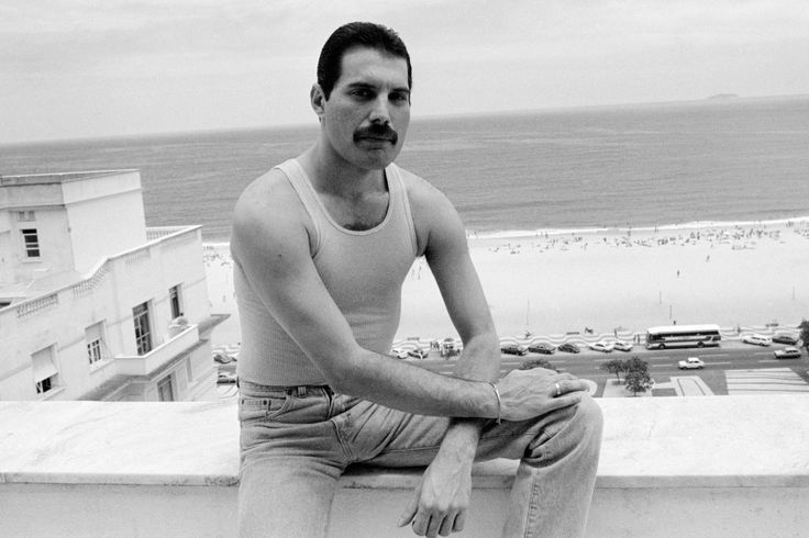 See Rare Photos of Freddie Mercury and an Excerpt from the New Biography Somebody toLove