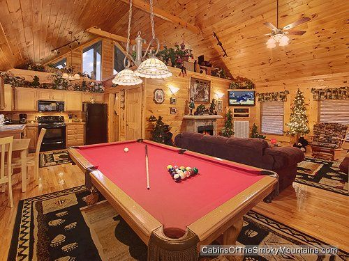 cabins tn in cabin photos rentals village splash gatlinburg indoor luxury with rental picture smoky property mtn pool log