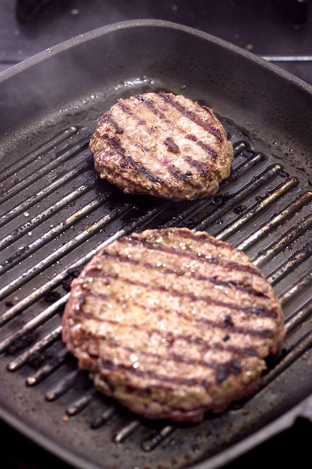 Confira as dicas de preparo para um hambúrguer perfeito