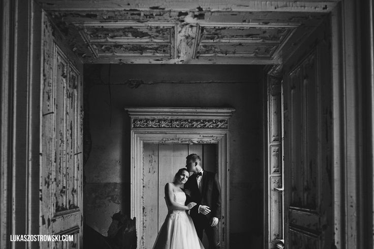 couple in palace