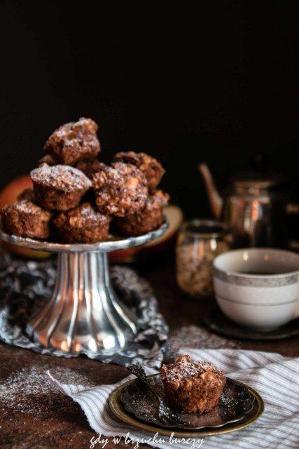 Gdy w brzuchu burczy... : Owsiane muffiny z jabłkami