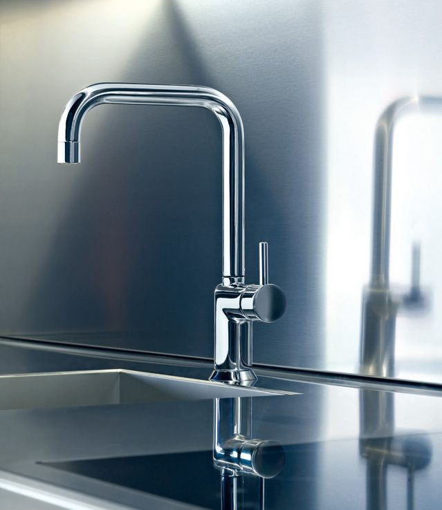 The #bathroom series are available harmoniously in the #kitchen environment with the skilful alternation of contemporary and classic examples. - Fantini Rubinetti - #Fantini #fratellifantini #fantinirubinetti #design #cucina #kitchen #faucet #faucets #rubinetto #rubinetti #homeideas #casa #home