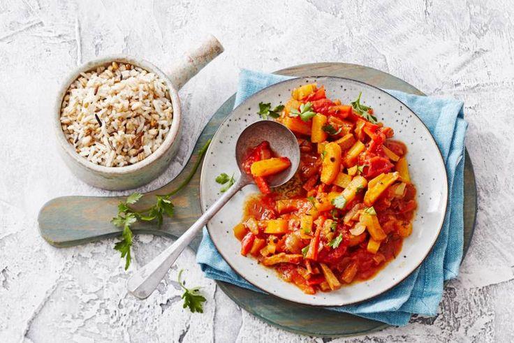 Vegetariërs te eten? Zet deze Hongaarse specialiteit op tafel, want die is ook zonder vlees heel erg lekker - Recept - Allerhande
