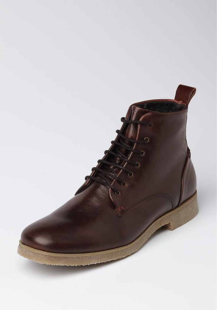 Jingle Leather Boots (by NoBrand, 130€)