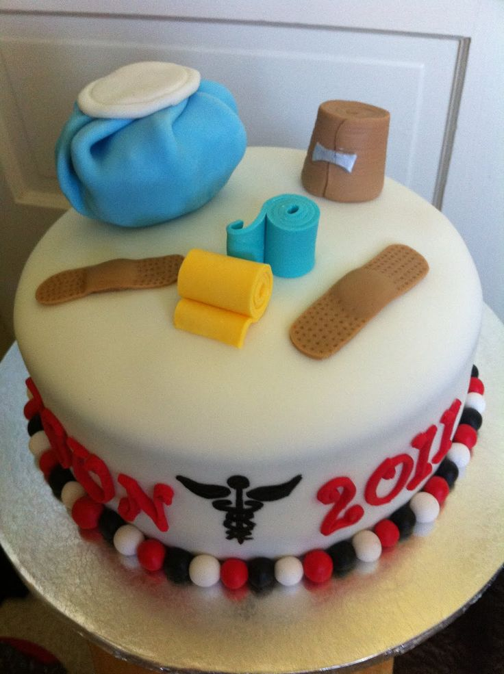 This weekend I had an order for a graduation cake for an Athletic Training major at CSUN . The cake is red velvet with cream cheese frostin...