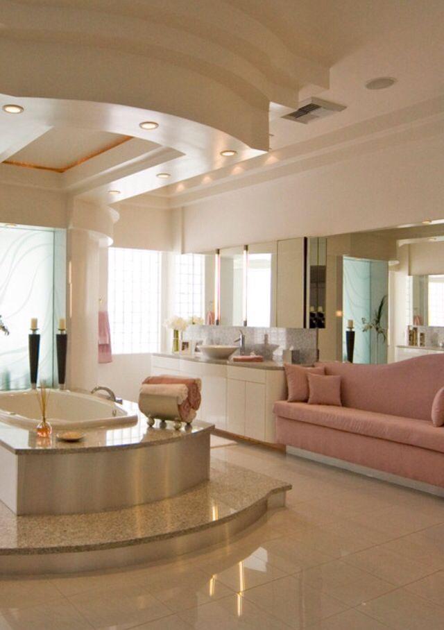 Luxury bathroom retreat.