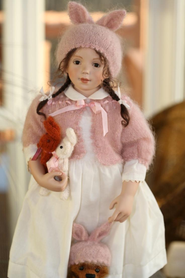 "Sonja Hartmann Porcelain Doll ""Kathy"" with 3 mohair toys - stunning presentation"