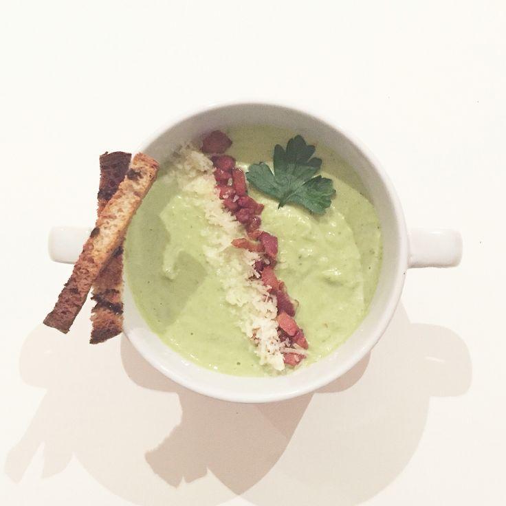 Broccoli, bacon and pecorino soup ❣