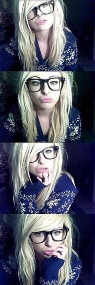 Emo frisur mit brille