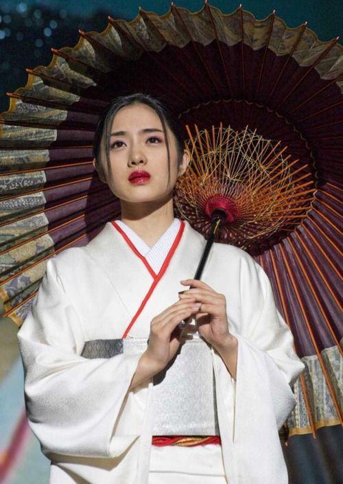 Japanese actress Satomi Ishihara in white kimono. Image via Pinterest