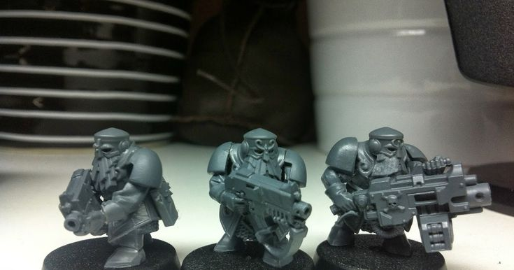 Another simple kit bash with the heavy bolter, the Scout parts fit nicely again. Sergeant & special weapon next;)