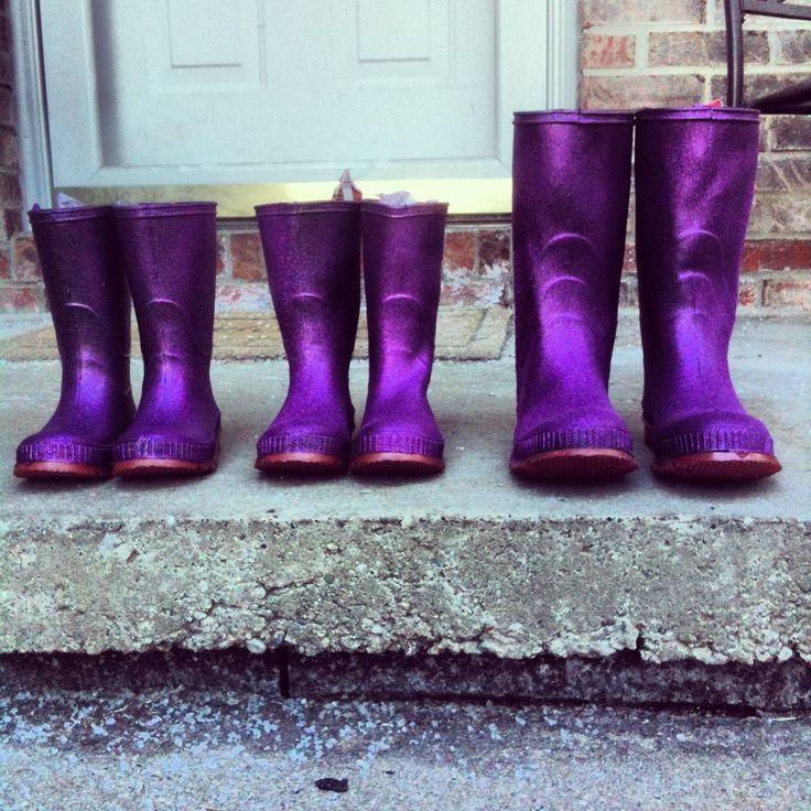 DIY Glitter rainboots!