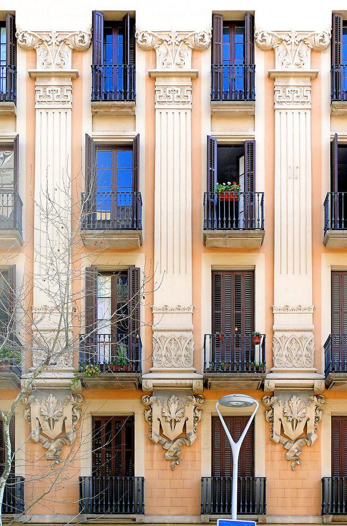 Architect: Enric Sagnier i Villavecchia
