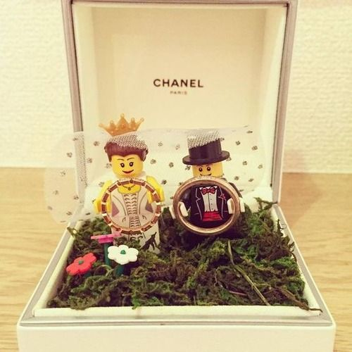 Portafedi - Fedi nuziali e gioielli matrimonio: collezioni e foto - Matrimonio.it