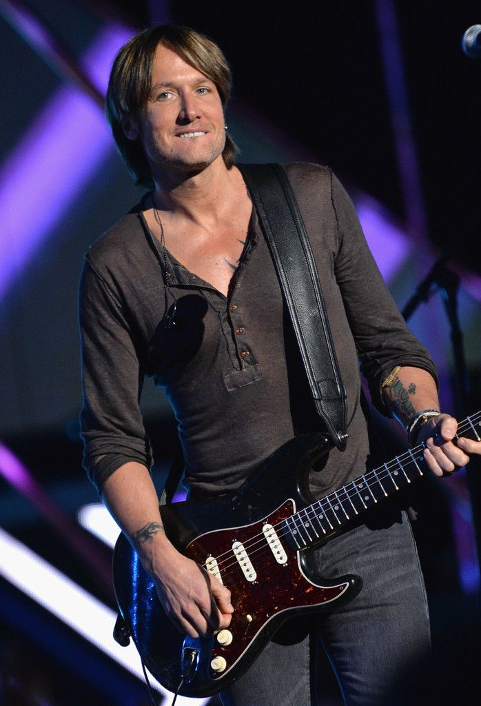 Keith Urban - Keith Urban Rehearses for the CMT Music Awards