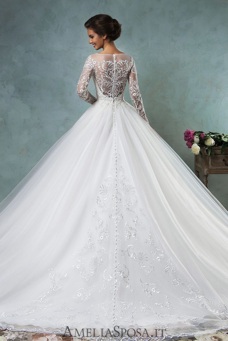 Wedding Dress Sierra, Silhouette: A-line