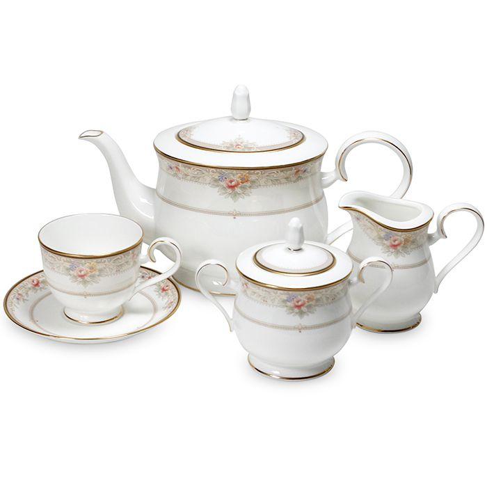 Сервиз чайный, 6 перс, 17 пр, Итальянская роза Посуда из костяного фарфора. Комплектация: чашка чайная-6, блюдце чайное-6, чайник с крышкой, сахарница с крышкой, молочник.