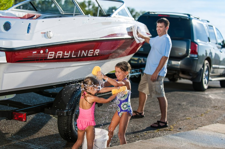 Nothing like having fun with Dad and anticipating the fun day ahead on the water with your Bayliner! #family #giftfordad