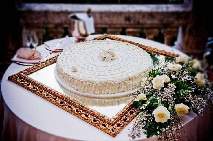 Torte nuziali a un piano - Torta nuziale a un piano semplice con la panna