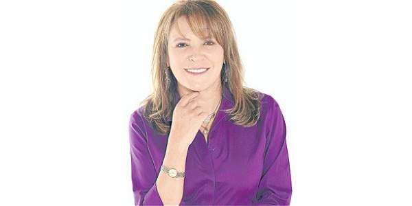 María Isabel Rueda fue citada por la Fiscalía para dar explicaciones sobre una entrevista realizada a Francisco Santos.