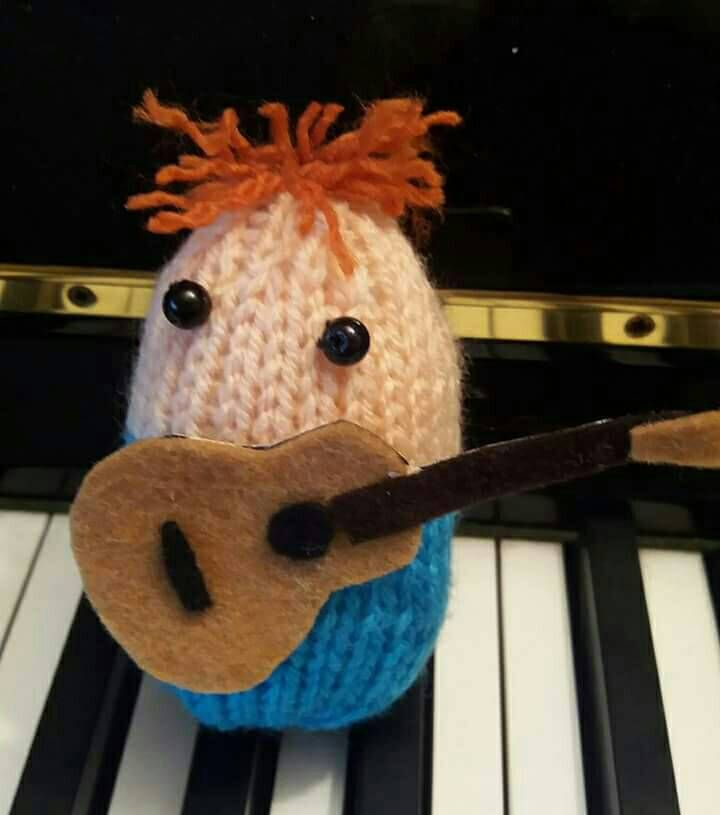 Knitted egg character, Egg Sheeran, hand made to order, Ed Sheeran, guitar, Easter egg, Egg cosy by KwerkyKnits on Etsy