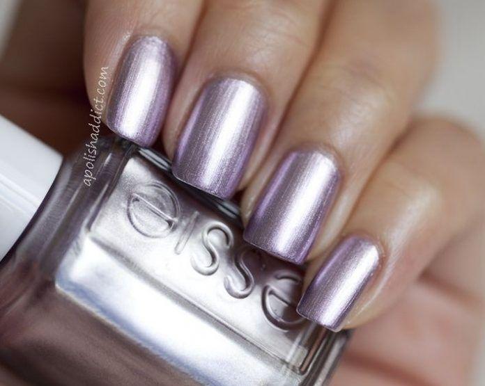 35 Shiny Metallic Nail Polish #naildesignideaz #naildesign #nailart #metallicnails ♥ If you enjoyed my pin, pls visit us at http://naildesignideaz.com/ ♥