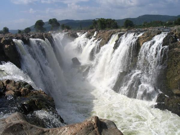 Hogenakkal (Tamilnadu), known as the 'Niagara Falls of India'