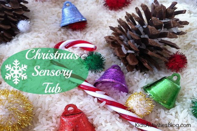 Preschool Christmas activities can be such fun.  As part of our quest for Christmas activities for kids, we loved the thought of the FEELING of Christmas that comes through with this Christmas Sensory Tub.  Christmas is touchy, feeling and Kids Activities Blog wants to get in on the fun.