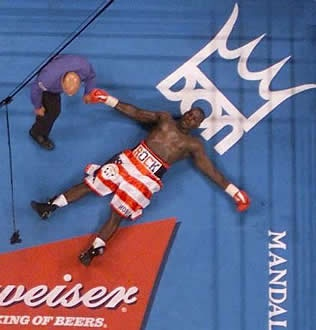 Hasim Rahman after a 1-2 combo from Lennox Lewis. This was an incredible KO.