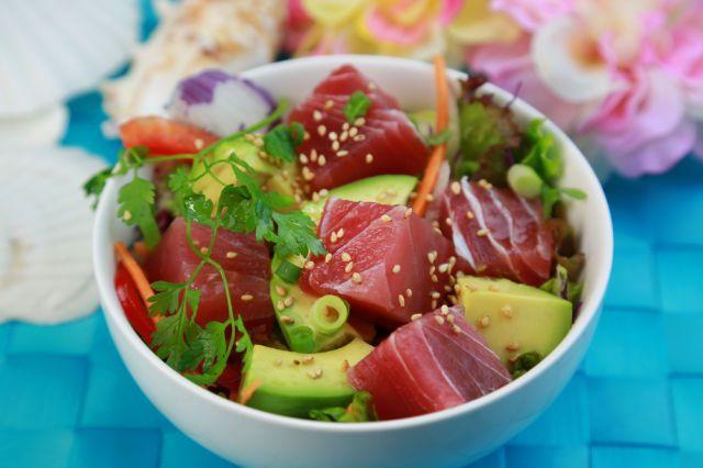 日本人をとりこにするハワイグルメ「アヒポキ」。その歴史やレシピをご紹介♩