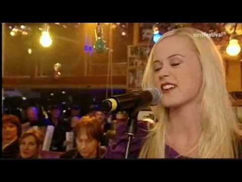 "Tina Dico at ""Inas Nacht"" performing ""Count to Ten"" (2010)"
