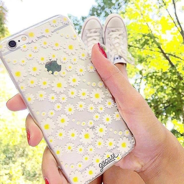 Pretty looking floral based design phone cases worth adding glamour to your iPhone when carrying it.