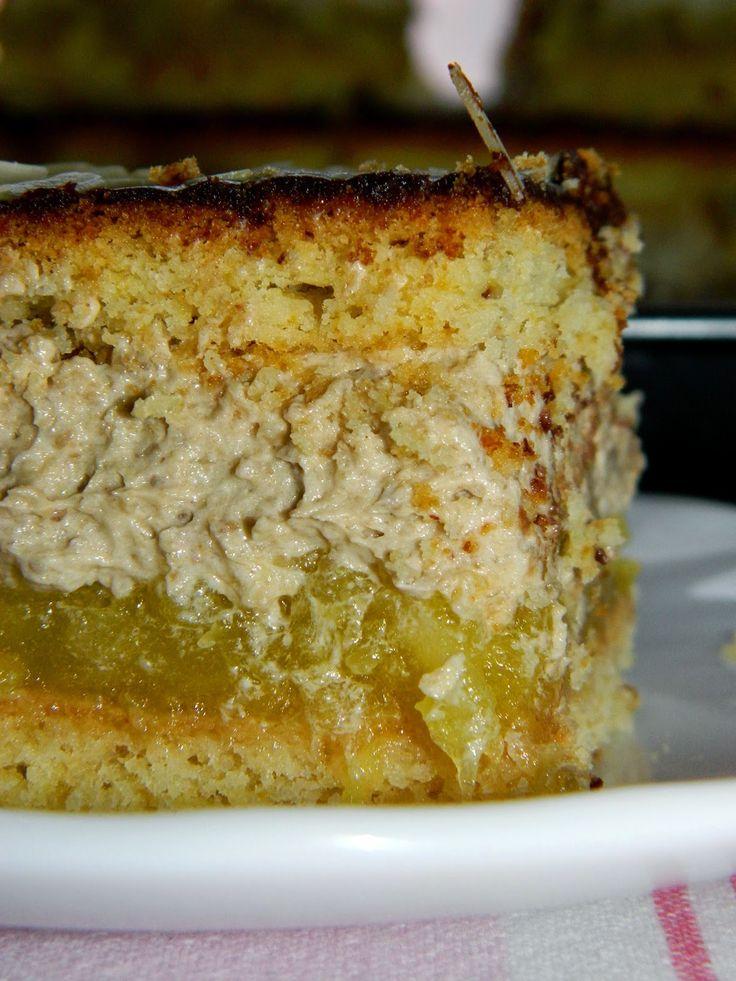 Jedno z lepszych ciast jakie kiedykolwiek jadłam! Cudowne połączenie kwaskowatych jabłek, słodkiej, orzechowej masy, gorzkiej czekolady i ...