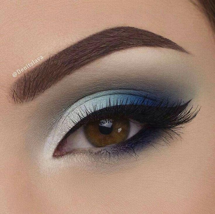 Sombra en  tonos de color azul.  Realza tu ojo color café