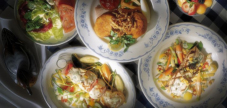 """Christiana Campbell's Tavern    Our first commander in chief loved the seafood at Christiana Campbell's Tavern, and you will, too. Drop by and try delicious dishes based on Mrs. Campbell's original """"receipts."""""""