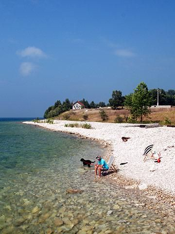 From Minnesota to Ohio, towns along the Midwests Great Lakes capture the summer vacation spirit. Here are some of our favorite Great Lakes getaways, with tips on exploring each one.