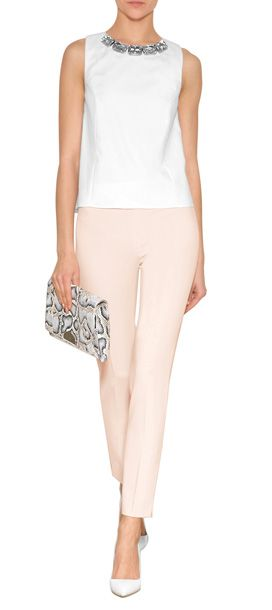Dürfen+wir+vorstellen,+unser+Basic+für+einen+smarten+Alltag:+die+roséfarbenen+Straight-Leg-Pants+von+Moschino+entstauben+den+Office-Look+#Stylebop