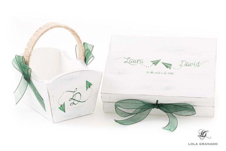 #Cesta y #caja porta #arras de madera, para la #boda de Laura y David, pintadas a mano. www.lolagranado.com
