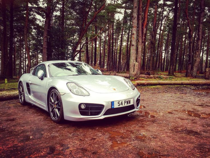 It's amazing what you can find on #Exmoor in the rain :-) #exmoornationalpark #porsche #sportscar