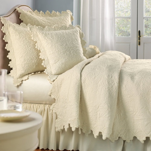 Linensource Quilts Amp Coverlets Quilts Coquillage De