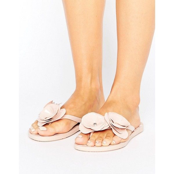 Zaxy Fresh Bloom Flip Flop (€26) ❤ liked on Polyvore featuring shoes, sandals, flip flops, beige, floral shoes, beige shoes, beige flip flops, toe thongs and toe post sandals