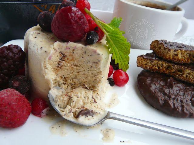Kávová zmrzlina s ginger cookies
