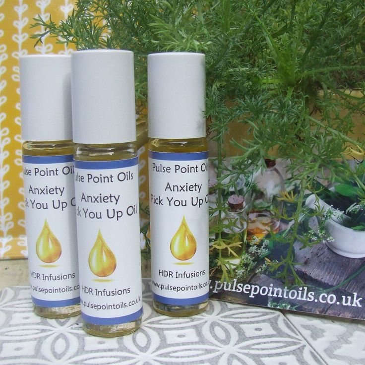 Anxiety pick you up oil for when it's needed, apply to wrists, neck and shoulders and temples, enjoy the relaxing aromas of chamomile, bergamot, sweet orange, may chang, lavender and rose geranium. A perfect combination of therapeutic oils. #anxietyhelp #therapeuticoils #chamomile #sweetorange #lavender #bergamot #maychang #rosegeranium #stressed #etsyshoppulsepointoils #etsy #etsyfavourites #EtsyUK #pinpals #birthdaytreats #birthdaygift #ineedthis #rollonoil #rollerballapplication…