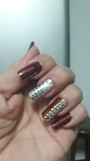 Nails.nails color ciruela intenso...Esika.☺
