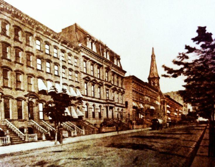 Нью-Йорк в 1860-80-х годах42-я стрит, север, угол Мэдисон авеню. Манхэттен, Нью-Йорк 1875 год.