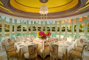 From cheap to grossly expensive these are the restaurants that you need to consider on your next trip to Las Vegas.: Tableau at Wynn Las Vegas