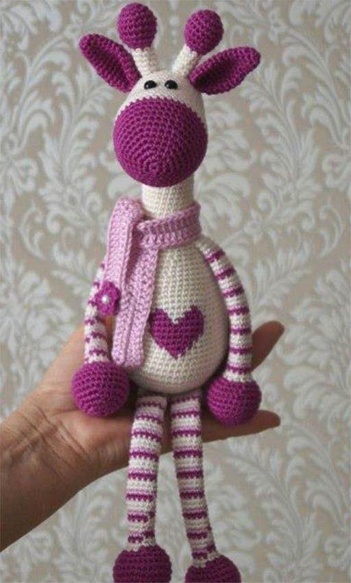 Em nosso site você encontra fios, linhas e Lãs para confeccionar amigurumis de bonecas, animais, bichos, objetos e muito mais.