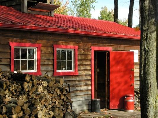 cabane à sucre avec bois sugar shack with