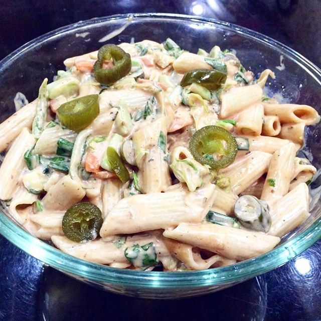 Pasta Salad Recipe on blog now  check it out  Link in bio ⤴  #food #indianfoodbloggers #indianfood #blogger #delhiblogger #pasta #vegan #jalapeño #healthy #healthypasta #salad #ramzaanspecial #ramdan #iftar #food #divine #foodporn