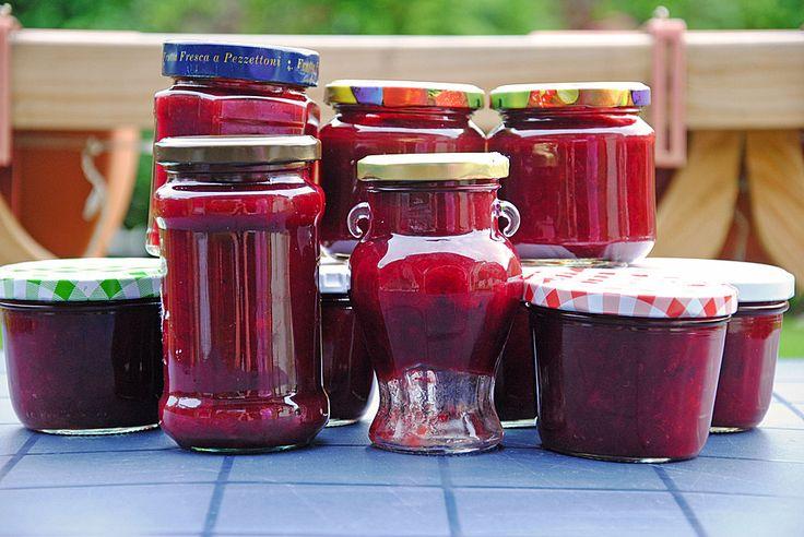Pflaumenmarmelade mit Rotwein und Zimt